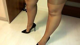 Wifes Legs In Rht Nylons