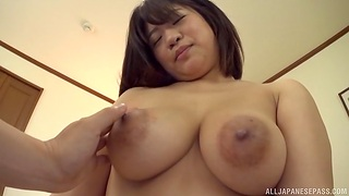 Japanese dilettante Maino Itsuki gets a creampie ending after sex
