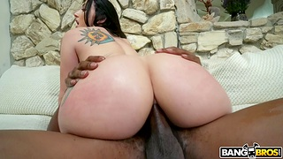 Restless anal makes curvy babe drink up her mind